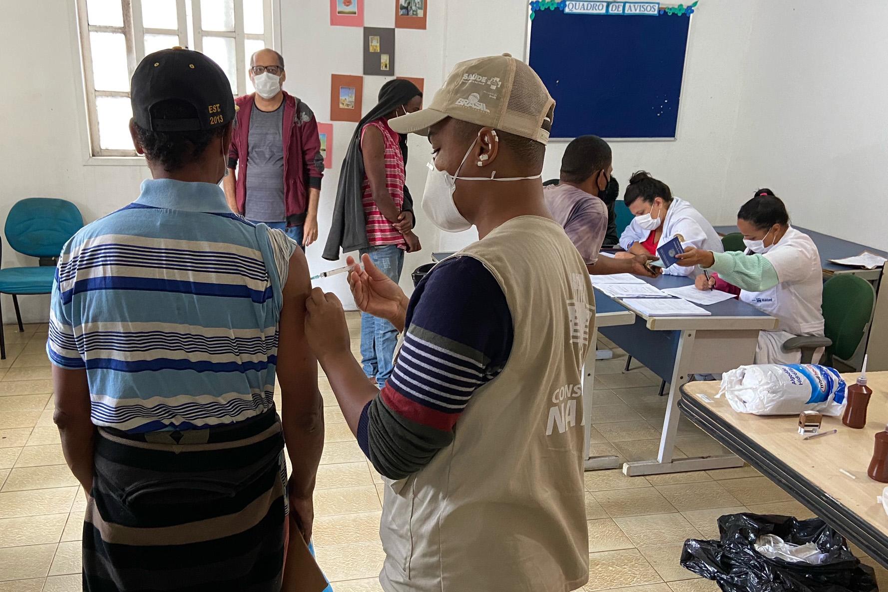 Cerca de 50 pessoas foram imunizadas