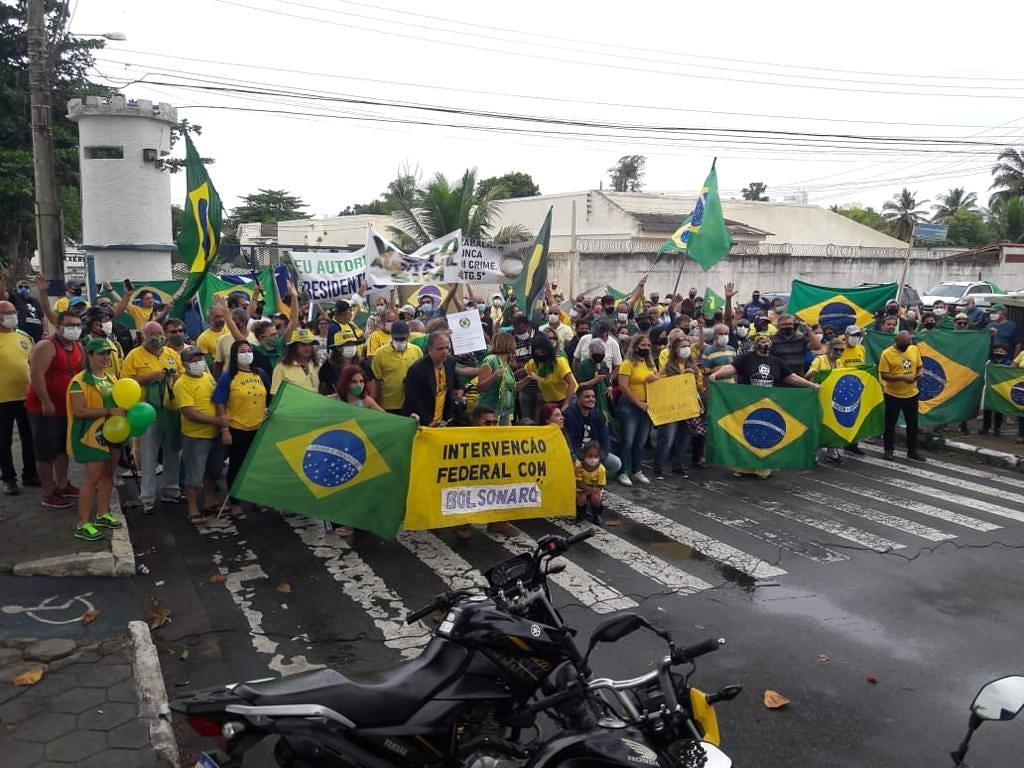 Em Macaé, a manifestação ocorreu em vários pontos da cidade