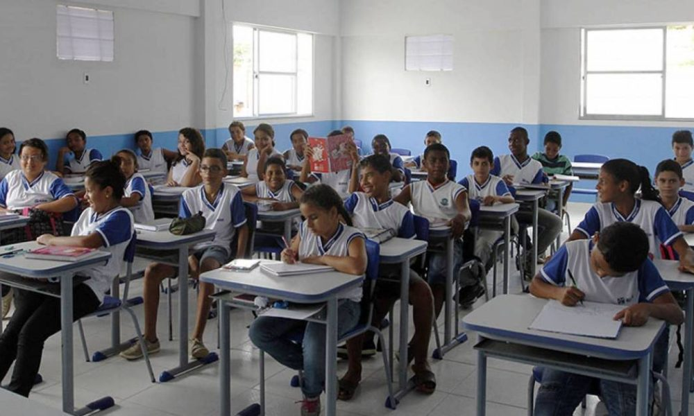Segundo sindicato dos professores, categoria não teve garantia de vacina em Macaé