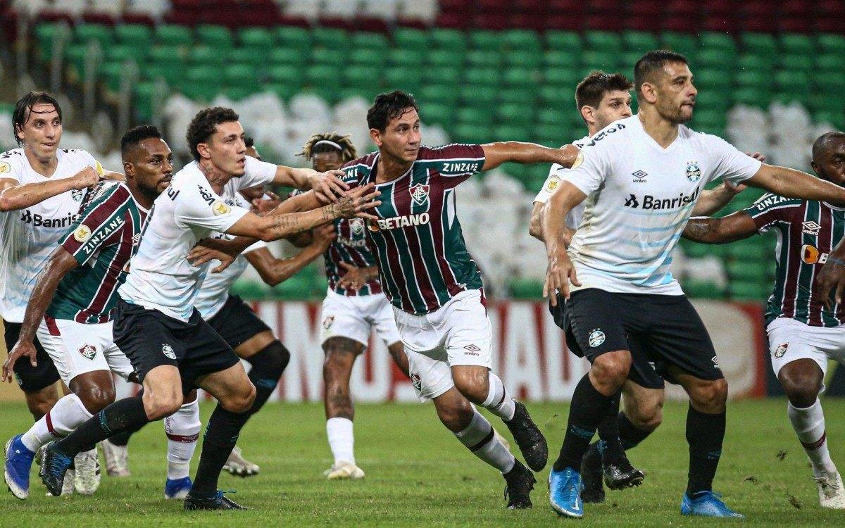 Fluminense entrou em campo com equipe modificada e preservada para o duelo válido pela LIbertadores