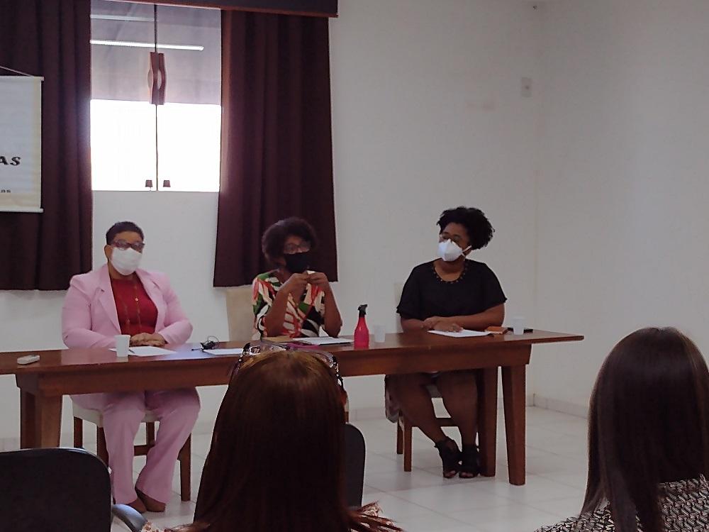 A vereadora Isa Vicente relatou aos participantes algumas histórias de sua vida