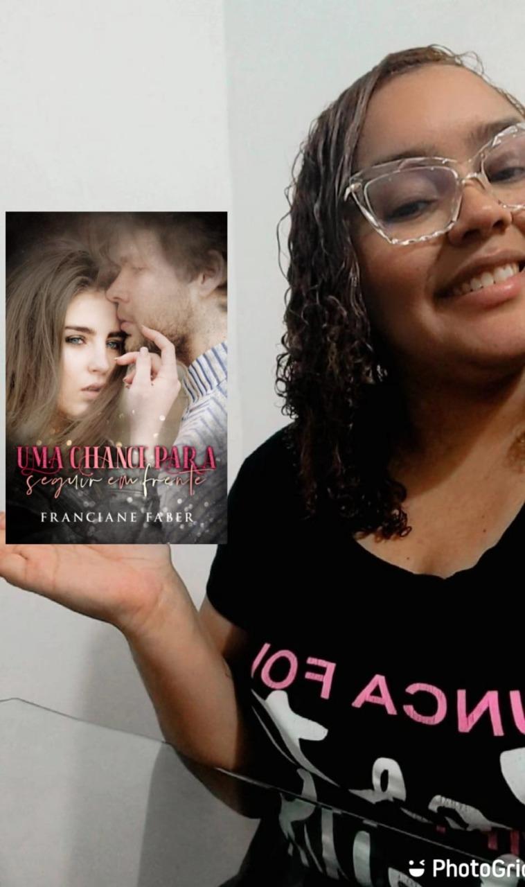 """A escritora Franciane Maciel Faber é autora do livro """"Uma chance para seguir em frente"""""""