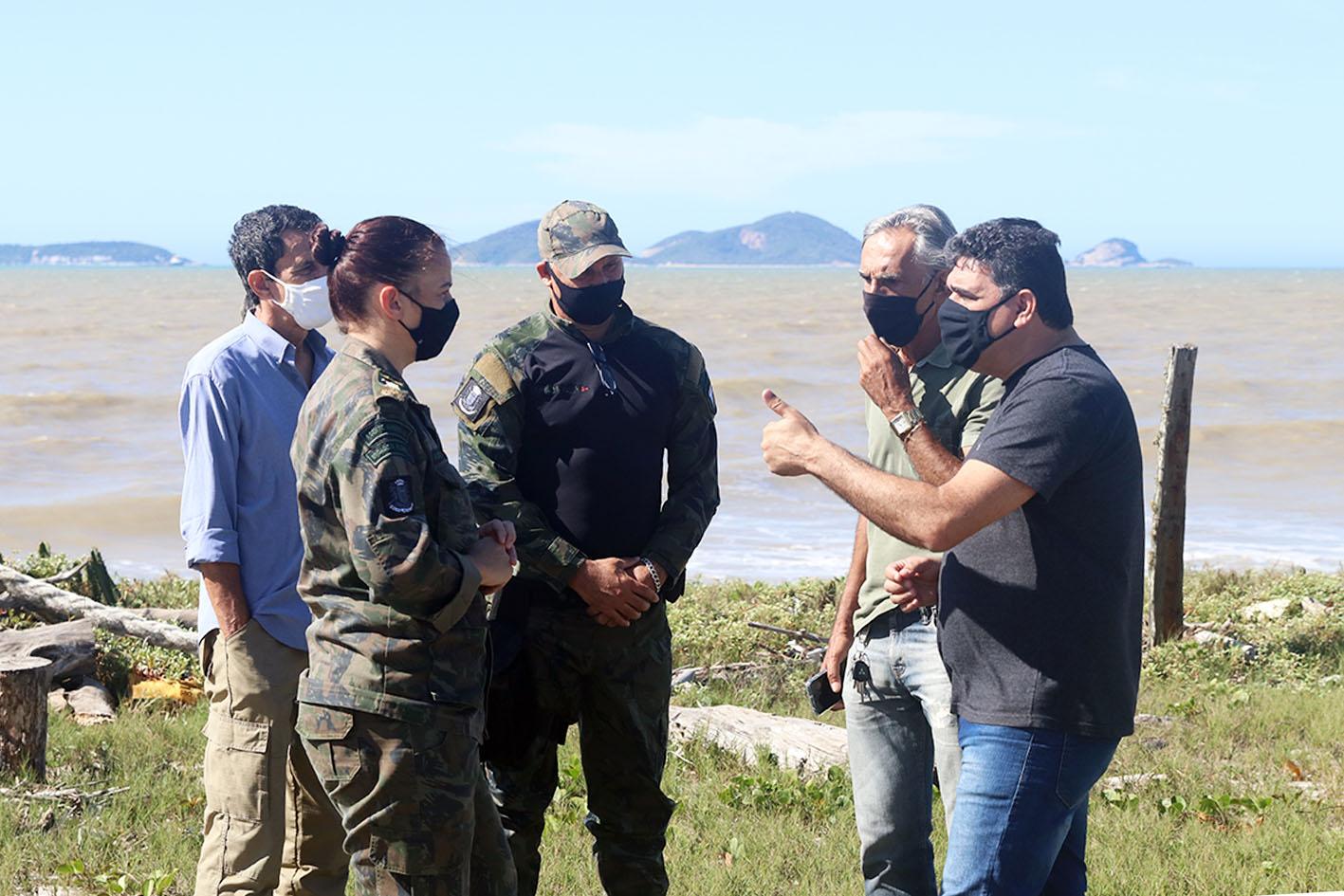 Juninho Luna, e o coordenador de Fauna e Logística, Fernando Barreto