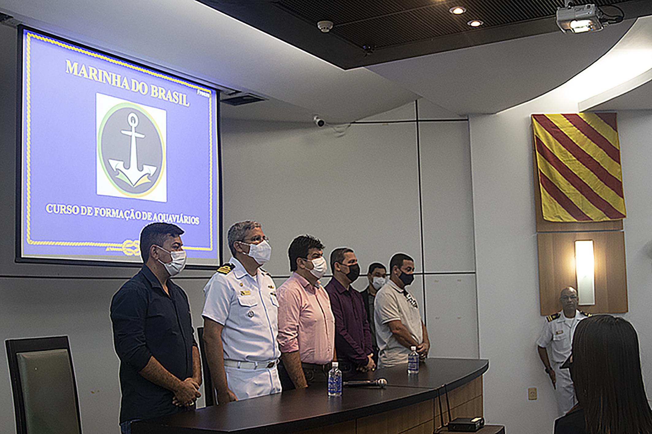 O curso foi oferecido, gratuitamente, pela Marinha do Brasil