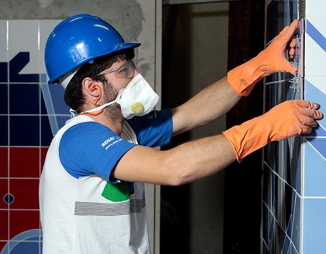 Segundo a Firjan, os setores da indústria e construção foram os maiores contratantes em Macaé e Campos, em agosto