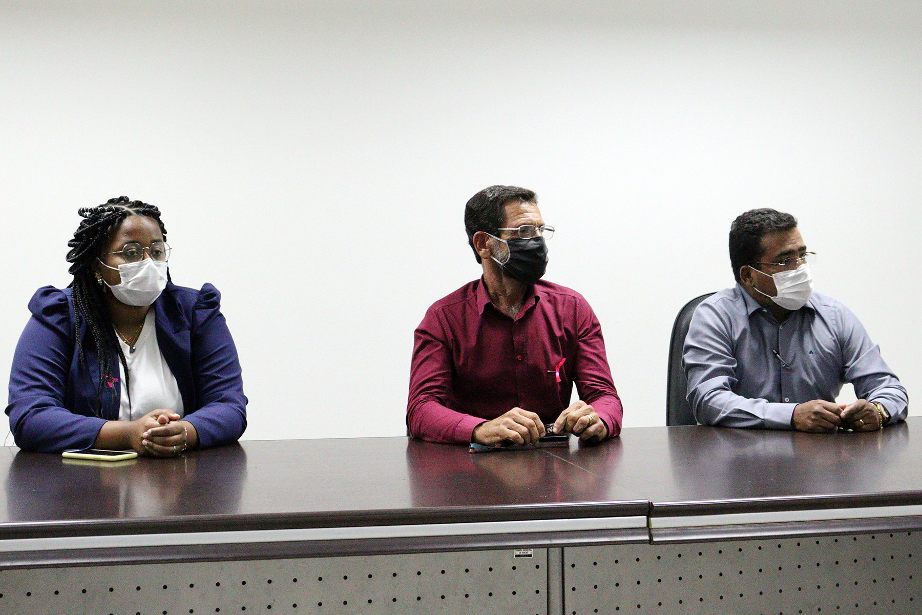 Vereadores Iza Vicente (Rede), Amaro Luiz (PRTB) e Edson Chiquini (PSD) durante reunião da CPI da BRK Ambiental