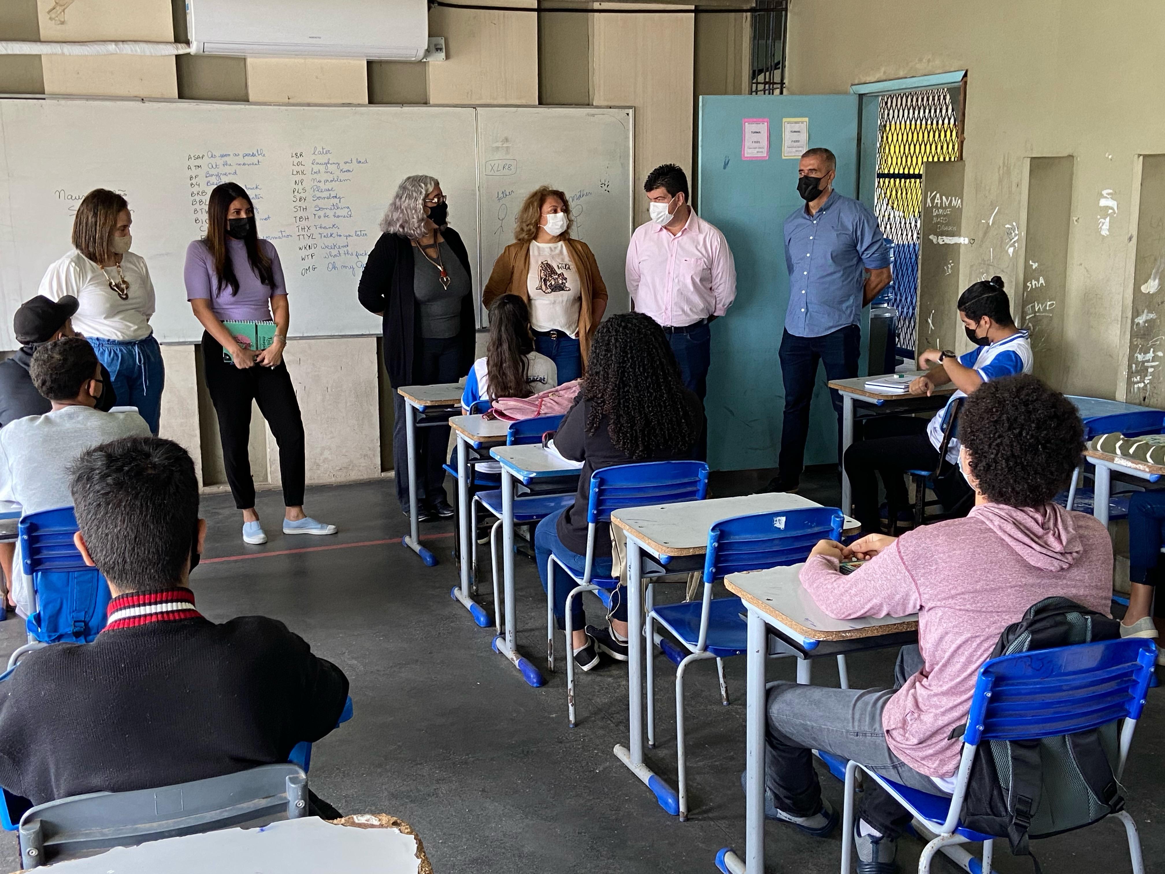 Prefeito de Macaé define retorno dos alunos às escolas como prioridade na Educação
